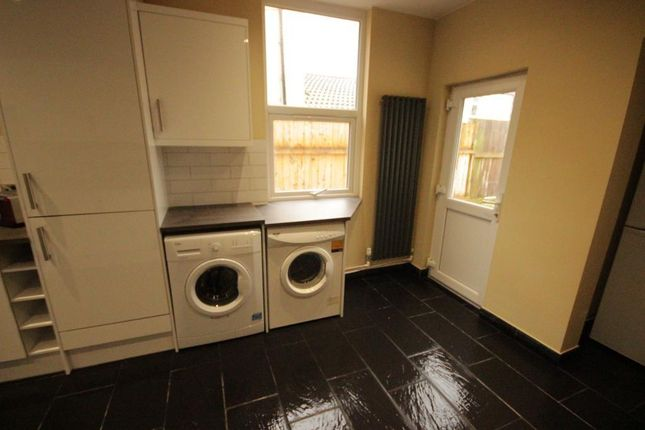 Thumbnail Room to rent in Shurburn Street, Hull, East Riding Of Yorkshire