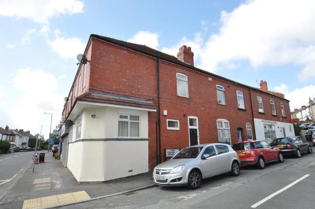 2 bedroom flat for sale in Pensby Road, Heswall, Wirral