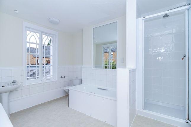 Bathroom 2 of Crouch Street, Banbury OX16