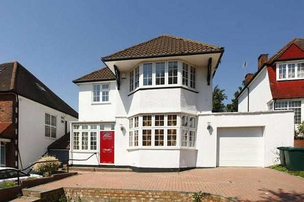 Thumbnail Property to rent in Basing Hill, Golders Green