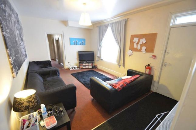 Thumbnail Property to rent in Hanover Square, Leeds