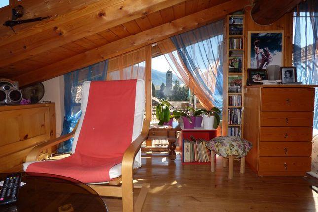 Living of Via Roma N.5, Gravedona Ed Uniti, Como, Lombardy, Italy