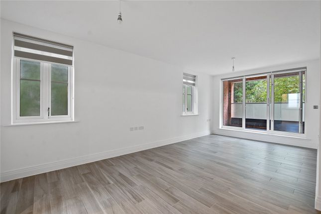 Thumbnail Flat to rent in Orchid House, 23 Carew Road, Northwood, Middlesex