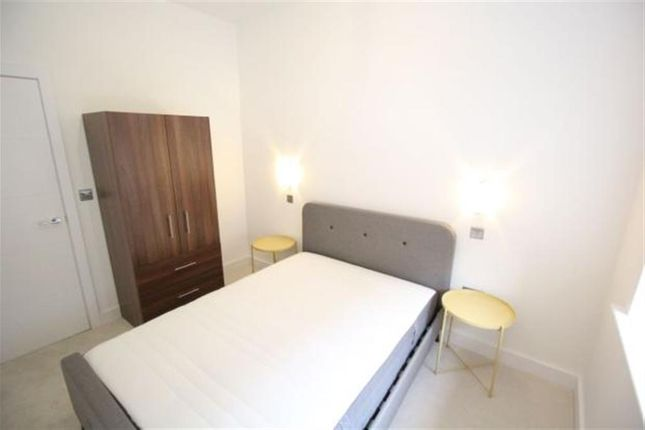 Thumbnail Flat to rent in Flat 2, Leeds