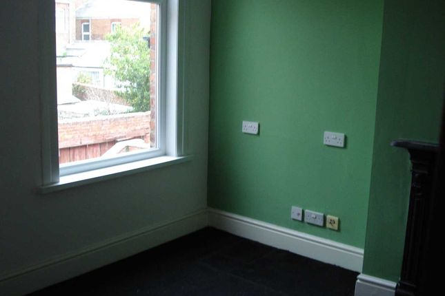 Bedroom 2 of Pharos Street, Fleetwood FY7