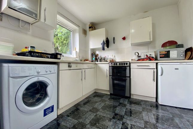 Thumbnail Terraced house to rent in Foster Drive, Penylan, Cardiff