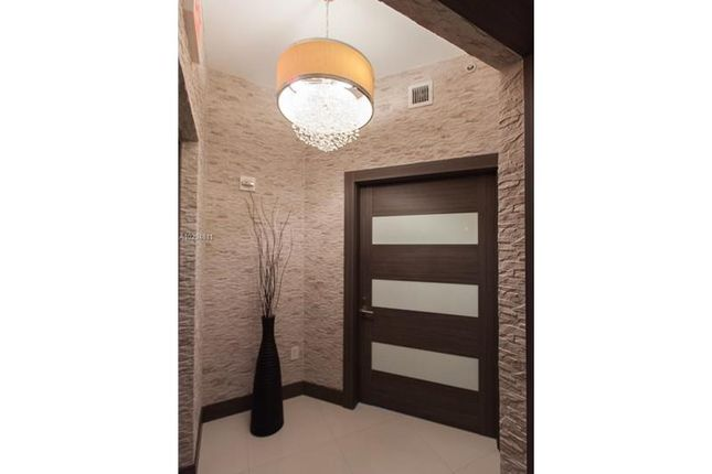1 bed apartment for sale in 2020 N Bayshore Dr # 1905, Miami, Florida, United States Of America