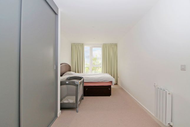 Thumbnail Flat for sale in Grayston House, Kidbrooke Village
