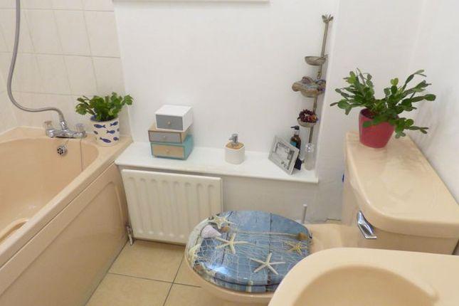 Bathroom of Kingsley Court, Fraddon, St. Columb TR9