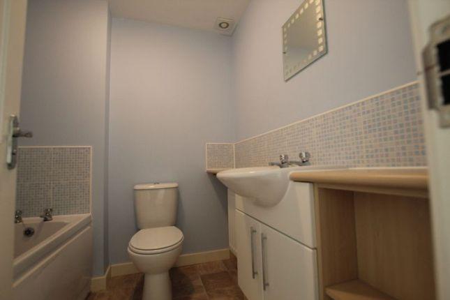 Bathroom of Junction Gardens, St Judes, Plymouth, Devon PL4
