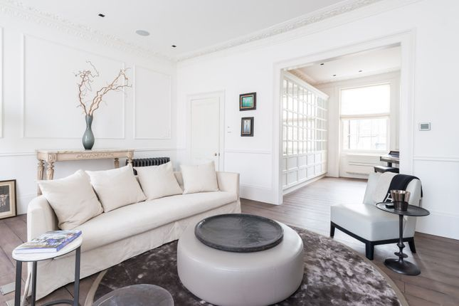 Thumbnail Town house to rent in Hereford Road, London