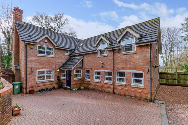 5 bed detached house for sale in Rochester Close, Headless Cross, Redditch B97