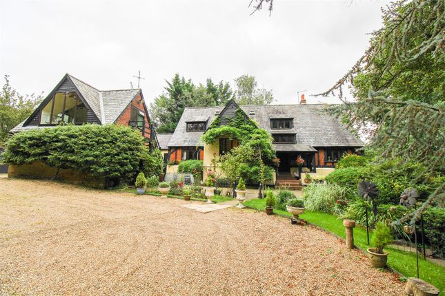 Thumbnail Detached house for sale in Old Toddbrook Barn, Miles Close, Harlow