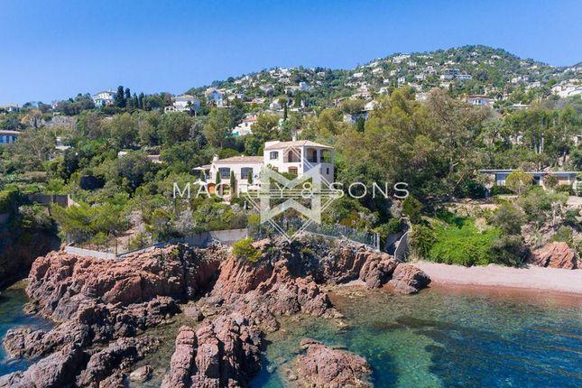 7 bed villa for sale in Théoule-Sur-Mer, 83700, France