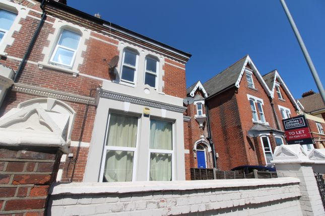 5 bed flat to rent in Victoria Road North, Southsea PO5
