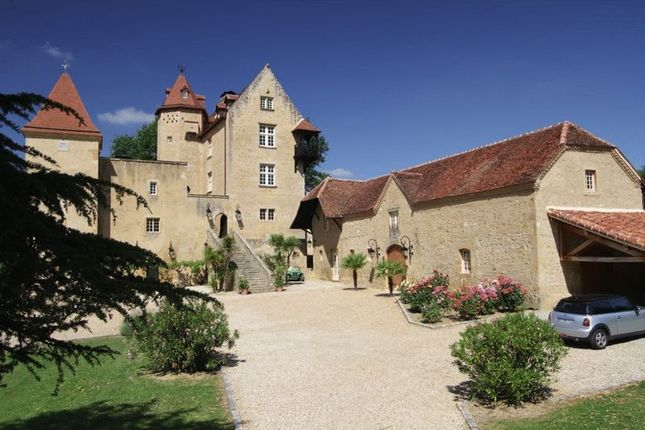 Thumbnail Property for sale in Breathtaking Chateau Surrounded By Vines, Lembeye Area, Pyrenees-Atlantiques