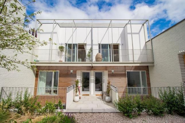 Thumbnail Mews house for sale in Hammersmith, London
