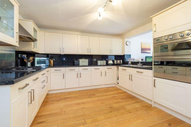 Thumbnail Terraced house for sale in Park Road, Wallington