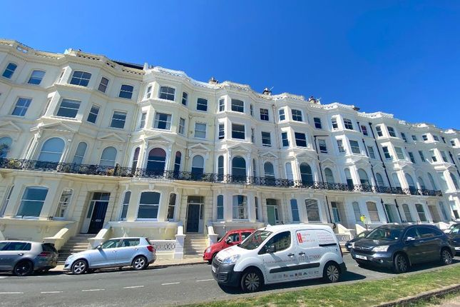 Thumbnail Flat to rent in Medina Terrace, Hove, East Sussex