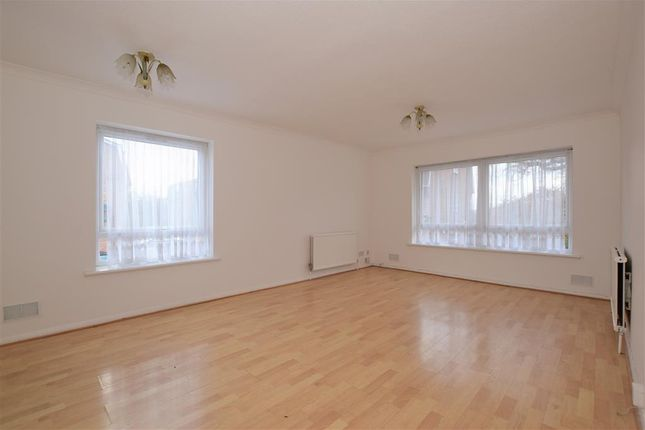 2 bed flat for sale in Bawdsey Avenue, Ilford, Essex