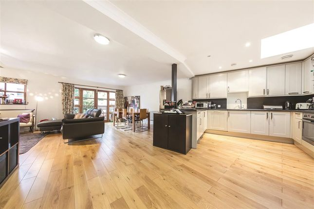 Thumbnail Terraced house to rent in Weimar Street, London