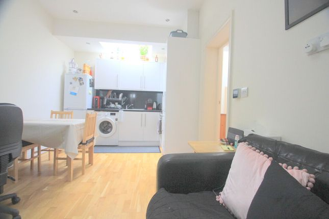 Thumbnail Flat to rent in Laitwood Road, London