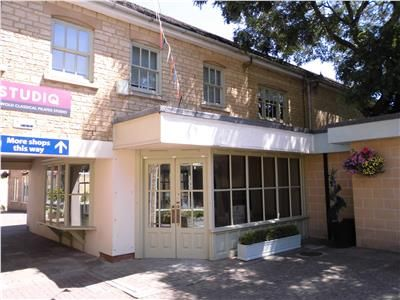 Thumbnail Retail premises to let in Unit 4 The Woolmarket, Cirencester, Gloucestershire
