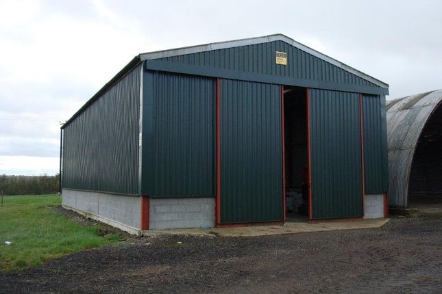 Light industrial to let in Harlington Road, Tingrith