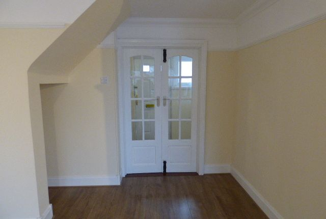 Thumbnail Flat for sale in Ermine Side, Enfield
