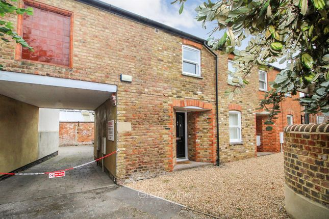 Thumbnail Terraced house for sale in Church Street, Twyford, Reading