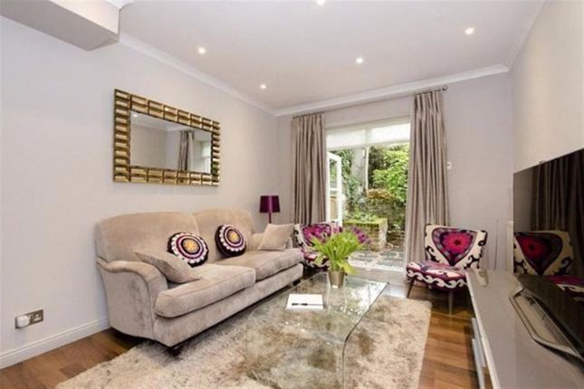 1 bed flat for sale in Porchester Square, London