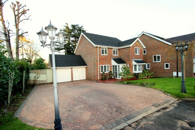 Thumbnail Terraced house to rent in Hadley Wood Rise, Kenley