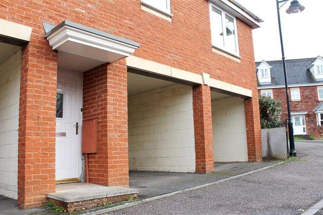 2 bed flat to rent in Stutts End, Cotford St. Luke, Taunton