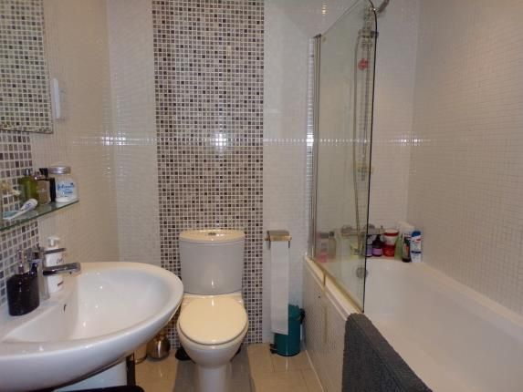 Bathroom of The Hub, 7 Yeoman Street, Leicester, Leicestershire LE1