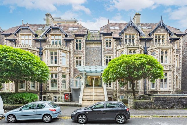 3 bed flat for sale in Elmdale Road, Clifton, Bristol BS8