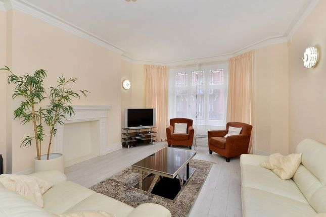 Thumbnail Flat to rent in Cabbell Street, Marylebone