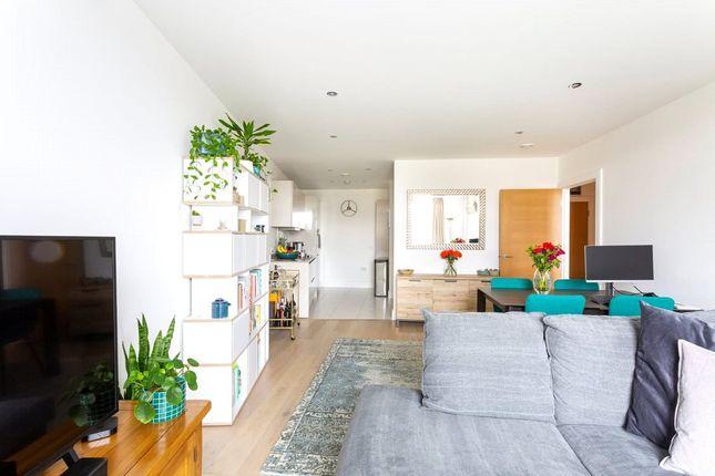 Thumbnail Flat for sale in Quadrant House, Levett Square, Richmond, Surrey