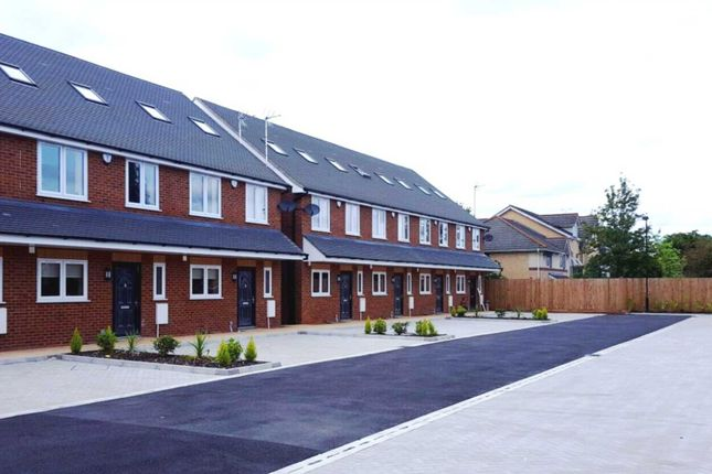 Thumbnail Terraced house to rent in Reet Gardens, Slough