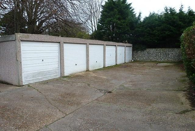 Parking/garage to rent in Garage, Sutton Court, Sutton Park Road, Seaford