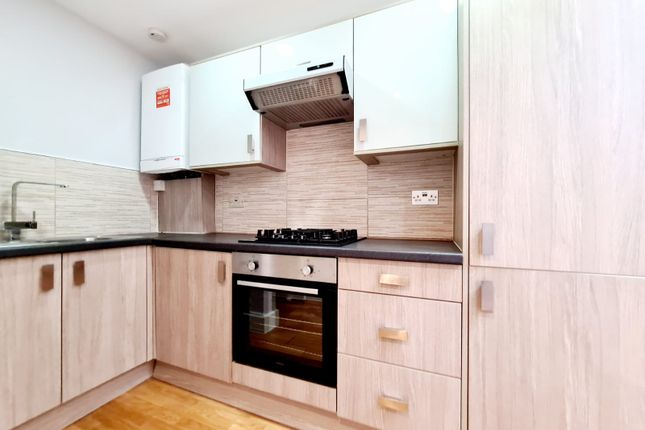 Thumbnail Flat to rent in Kimbery House, Lancaster Road, London