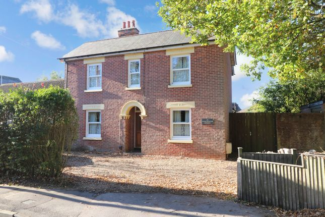 Thumbnail Detached house for sale in Winchester Street, Botley, Southampton