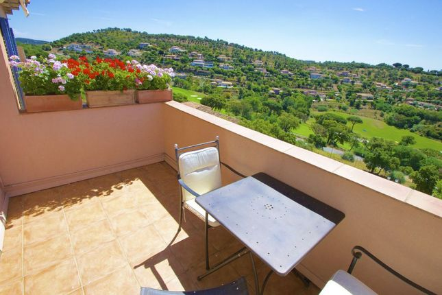 Sainte Maxime - 2 Bedroom Apartment With Sea And Golf Course Views