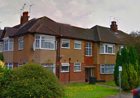 Thumbnail Flat for sale in Beresford Gardens, Enfield