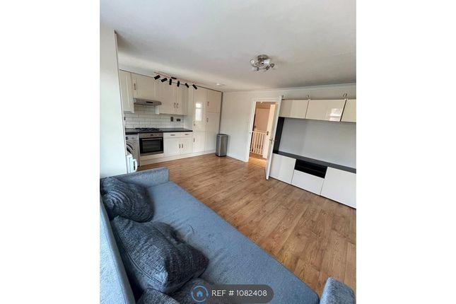 Thumbnail Flat to rent in Jordan Road, Perivale, Greenford