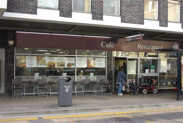 Thumbnail Restaurant/cafe for sale in Clarence Street, Gloucester