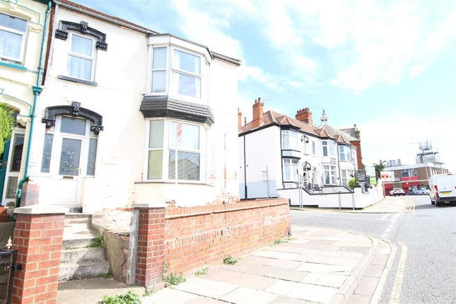 Thumbnail Semi-detached house for sale in Sunflower House, 8 Isaacs Hill, Cleethorpes