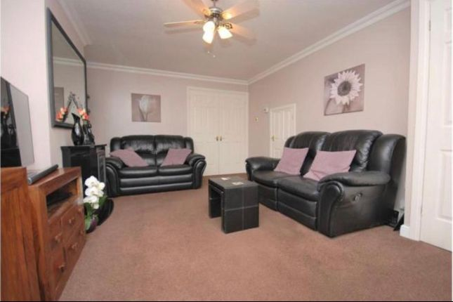 3 bed detached house to rent in Byron Gardens, Tilbury, Essex RM18