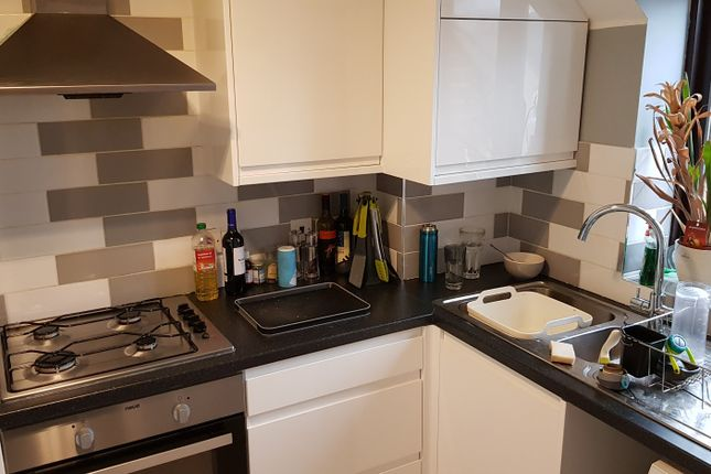 Flat for sale in Swan Drive, Colindale
