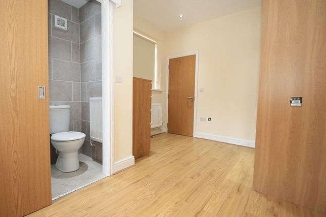 Flat to rent in Mackintosh Place, Roath, Cardiff