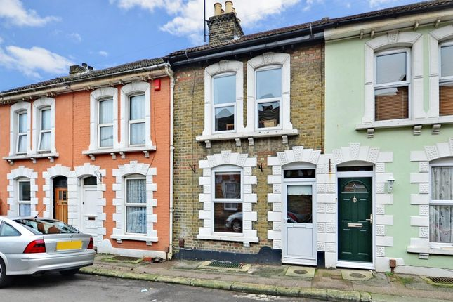 Thumbnail Terraced house to rent in Cross Street, Strood, Rochester